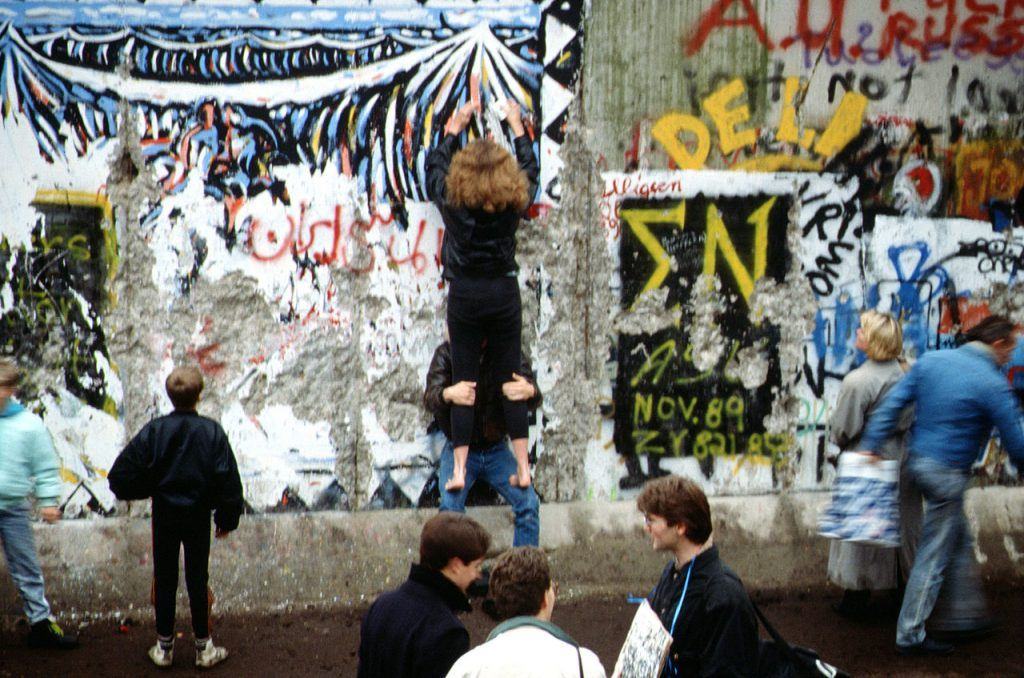 Fall of the Berlin Wall, November 1989. Photograph by Raphaël Thiémard. Image via Wikimedia Commons.